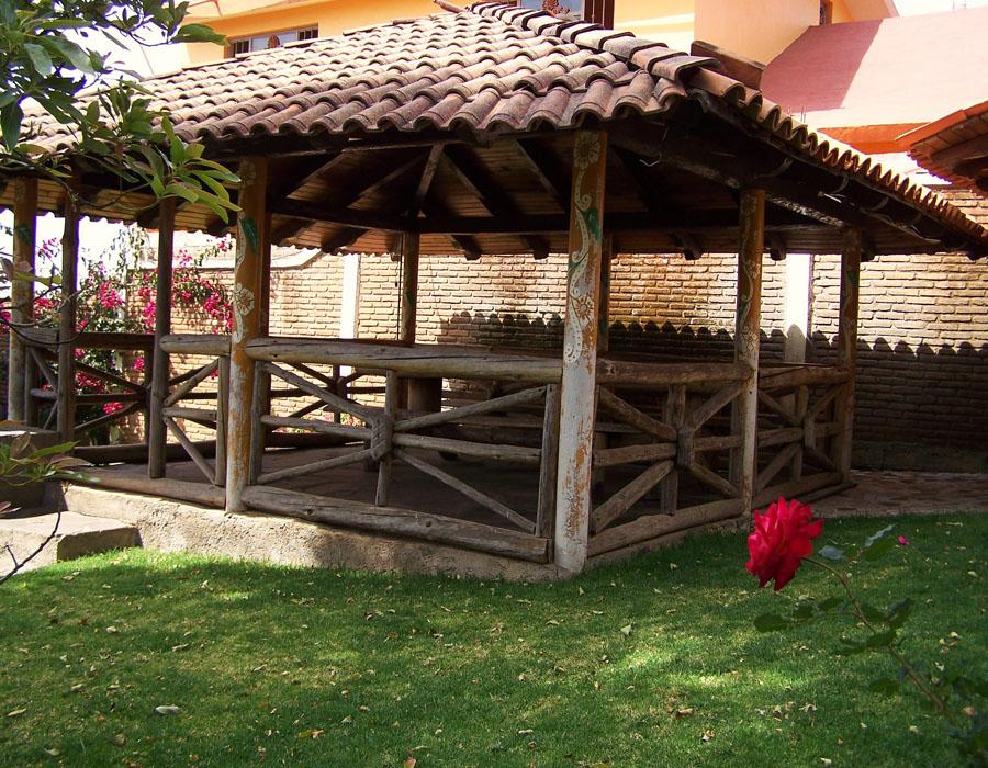 Caba as en renta mazamitla caba a la flor for Cabanas para jardin